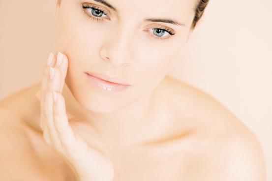 Жирная кожа лица, что делать, как лечить? Причины и лечение жирной кожи лица