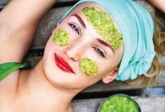 Увлажняющие маски для кожи лица: огуречная маска
