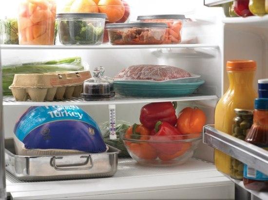 Как избавиться от запаха в холодильнике? Простые методы борьбы