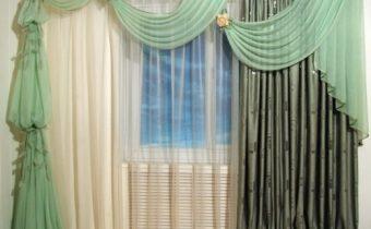 шторы из тяжелых, фактурных тканей, для светлой комнаты