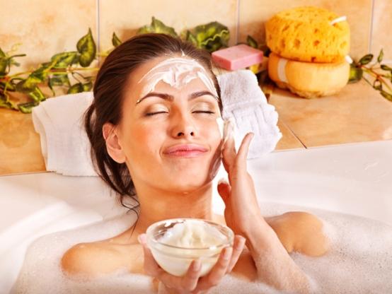 Как разгладить кожу и избавиться от морщин при помощи масок