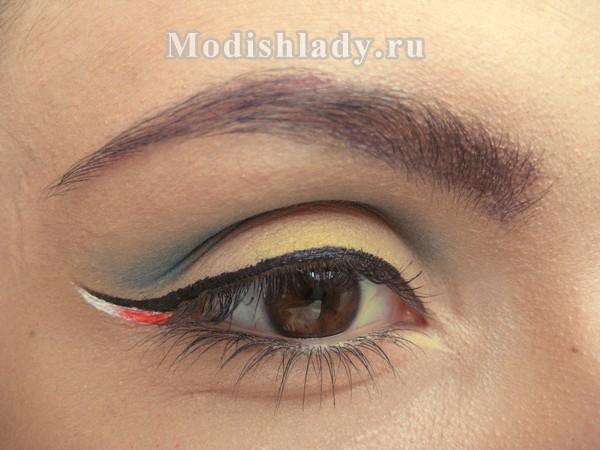 лазурный макияж со стрелками, фото