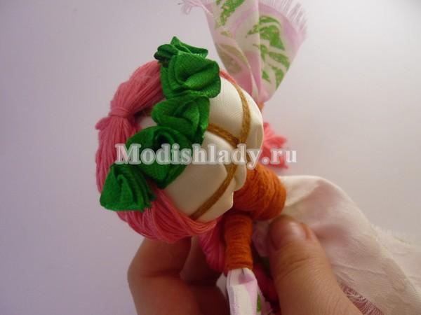 Как сделать волосы кукле из ниток или пряжи. Мастер 59